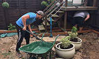 Garden makeover grows out of joint effort  image