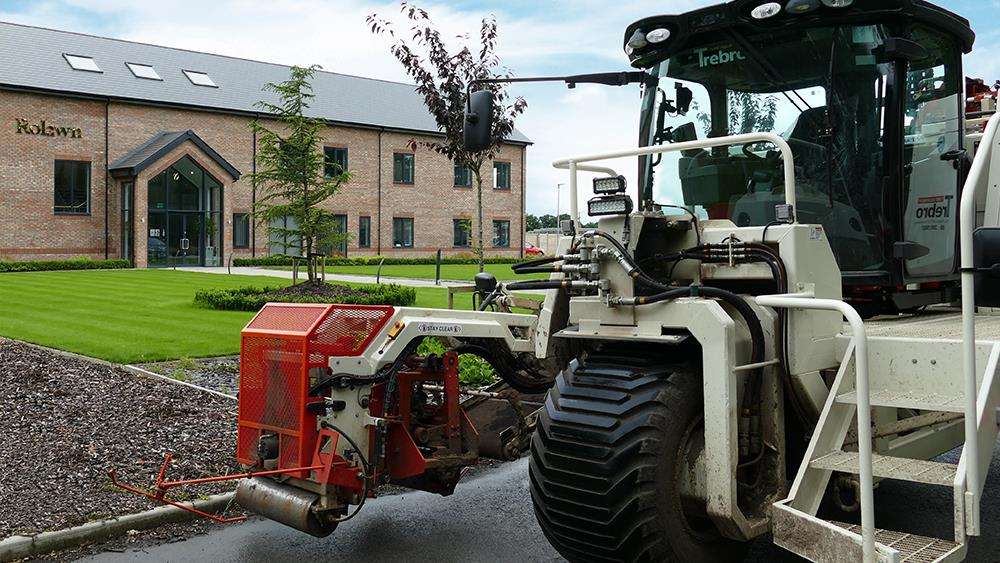 New turf cultivation and harvesting kit keeps Rolawn at the cutting edge image